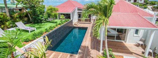 Contemporary 3 Bedroom In Pointe Milou, Heated Pool, Sleeps 6