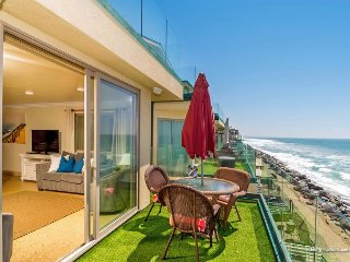 New oceanfront 11br/11ba home on the sand w/ rooftop deck, spa, A/C Equipped