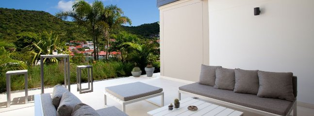 Appartement Camille - Ideal for Couples and Families, Beautiful Pool and Beach