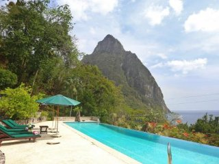 Colibri Villa - Ideal for Couples and Families, Beautiful Pool and Beach, Anse Cochon