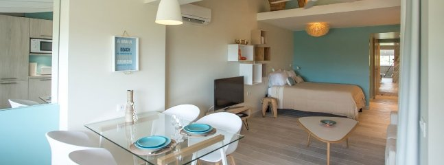 Appartement Turquoise - Ideal for Couples and Families, Beautiful Pool and Beach, Saint-Jean