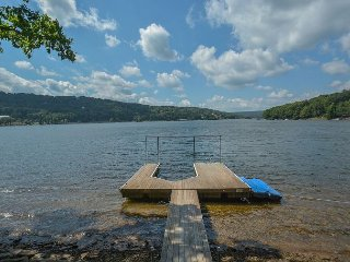 Parklike Outdoor Space, Lake Views, Close to Activities, Swanton
