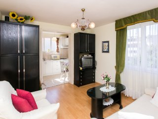 Lady Orsan - One-Bedroom Apartment