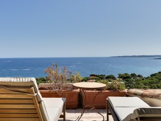 Beautiful Villa with Oriental Flair Overlooking th, Sainte-Maxime