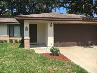 Nice Home Near Daytona Beach!, Port Orange