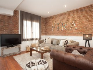 Enjoybcn Apartments- New and quiet 3 rooms top for families. 10mn to city center
