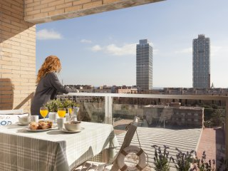 Enjoybcn Marina Apartment- Ideal for families. Sea views and superb location