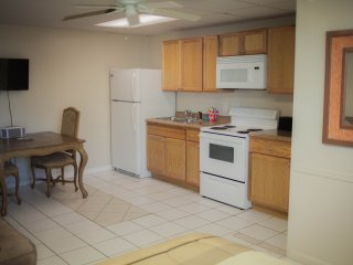 Studio Apt on Fl.Bay Beach,Marina, Docks