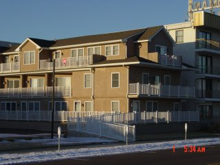 IRISH WEEKEND !!! Oceanfront North Wildwood Condo