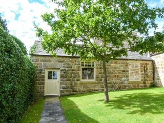 Oaktree Cottage, all ground floor, luxury accommodation, close to many