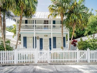 Casa Bianca 1411 at the Meadows. Private Pool. 2BR, Key West