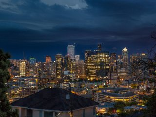 Sleep with Seattle Skyline at Prime Queen Anne Hill