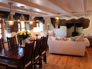 Devonia Cottage Croyde Sleeps 6 Private Hot Tub