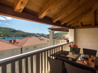 Apartment Dina-Two Bedroom Apartment with Balcony