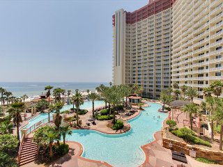 FREE ACTIVITIES INCLUDED!! Ground Floor condo with reserved parking!!, Panama City Beach