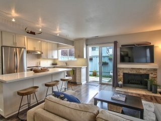 Newly Renovated Beach Condo, Capitola