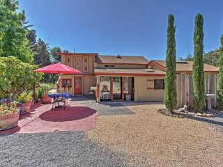 2BR Converted Barn in Sebastopol w/Private Patio