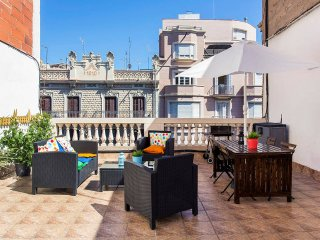 Super Central Top Floor Apartment with Terrace, Barcelona