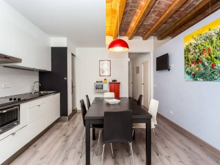 Central 3 Bedroom Apartment for 7 Guests, Barcelona