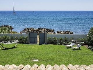 Ionian Haven holiday vacation villa rental italy, sicily, syracuse, siracusa, on beach, seaside, wi-fi, air conditioning, short term, Siracusa