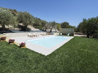 Casa Ourea holiday vacation apartment villa rental italy, sicily, noto, near bea