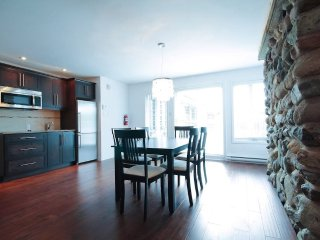 Urban condo in the heart of the Eastern Townships, Orford