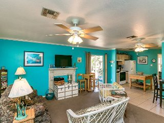 3BR, 2BA Southern Country Home in Historic Rockport – Close to the Beach!