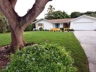 Lovely home in West Rocks with pool close to beach, Isla de Sanibel