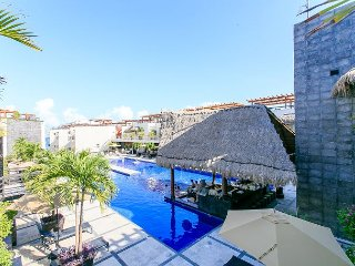 COMFORTABLE & ELEGANT APARTMENT  next to Mamitas Beach FREE INTERNET, Playa del Carmen