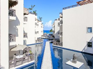 INCREDIBLE APARTMENT just steps from Mamitas Beach + FREE Internet
