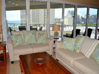 Golf/fish for free ~ Beachfront building w/2 pools, hot tub, beach access!