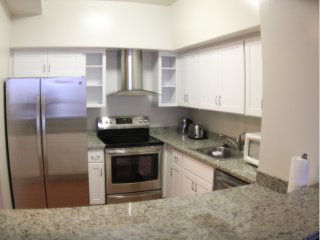Comfy and Tastefully Furnished Emeryville Apartment - 1 Bedroom, 1.5 Bathroom