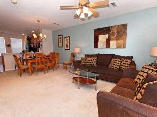 Bayshore Beauty 3 bedroom 3.5 bath town home at the Vista Cay Resort. Your home, Orlando