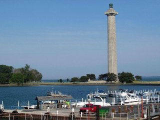 Stunning New Lakefront Condo with 4 BR & 3 BA - Waterfront Deck - 12 ppl max