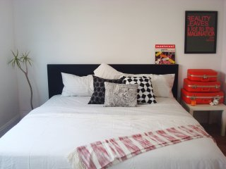 Simple Bedroom near South Coast & OC Observatory, Fountain Valley