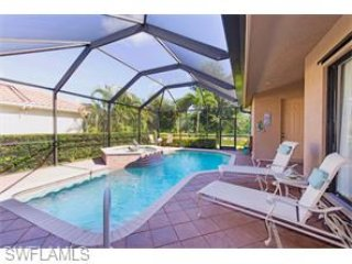 BRIARWOOD LUXURY POOL/SPA HOME W/LAKE VIEW, Naples