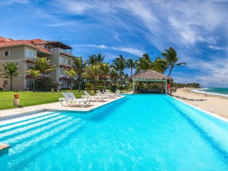 HARMONY 4 bedr / Stunning beachfront /Center CABAR