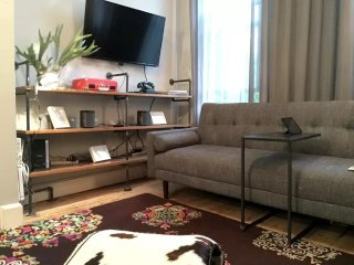 Furnished 2-Bedroom Flat at Berry St & N 10th St Brooklyn, Nueva York