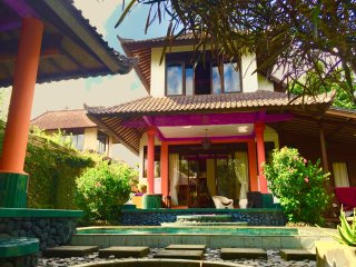 Villa Cinta - Open Style Villa With Garden & Pool, Sayan