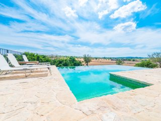 SON JORDI - Villa for 6 people in Llubí