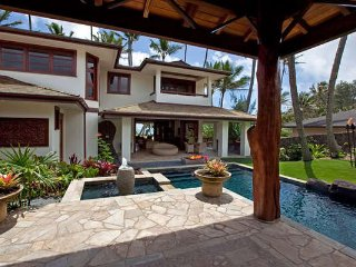 Kekela Koa Wedding Combo - 3 homes/14 bedrooms, 35-45 Guests/Beachfront/Pool