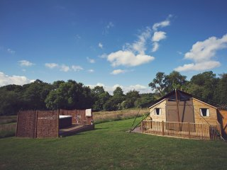 43455 Log Cabin in Abergavenny, Rowlestone