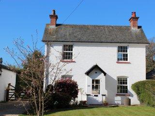 NFL73 Cottage in Lymington, Highcliffe