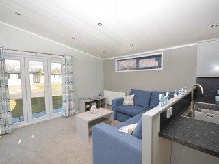 42994 Log Cabin in Carnforth, Halton