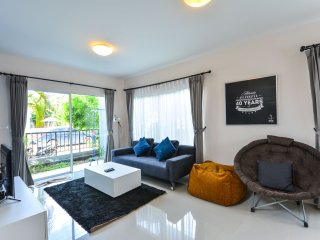 Cozy Villa @ Phuket w/wifi, gym & pool