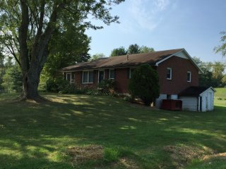 Comfortable, convenient home near Blacksburg