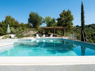 Cherry House - Casolare con piscina e giardino a 15 minuti dal mare