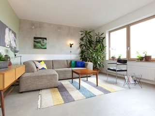 Sunny spacious appartment Amsterdam