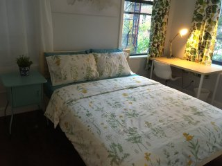 LEX-3: Fresh UES bright room with view/Centra Park, Lexington