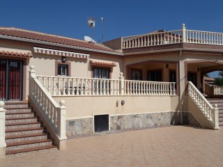 Tastefully furnished 3 Bed (all en-suite) Villa wi, Catral